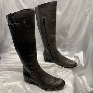 Crown Boots